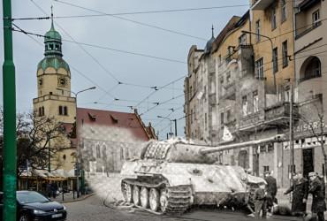 Pantera na rynku Wildeckim Poznań 1945