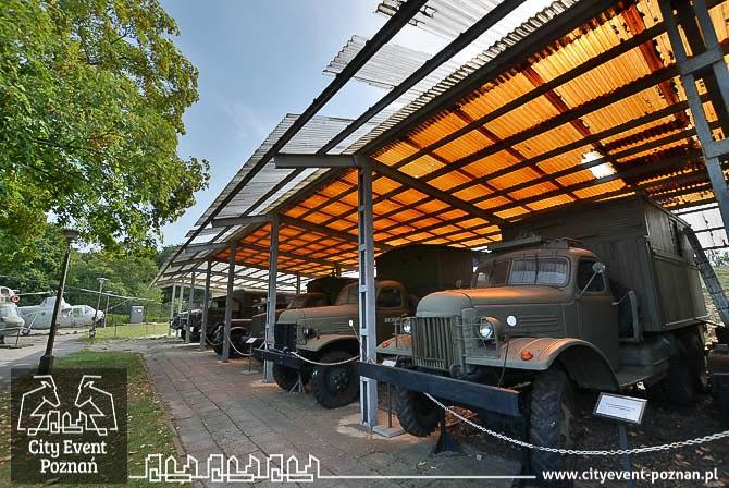 Muzeum Uzbrojenia Poznań - samochody wojskowe