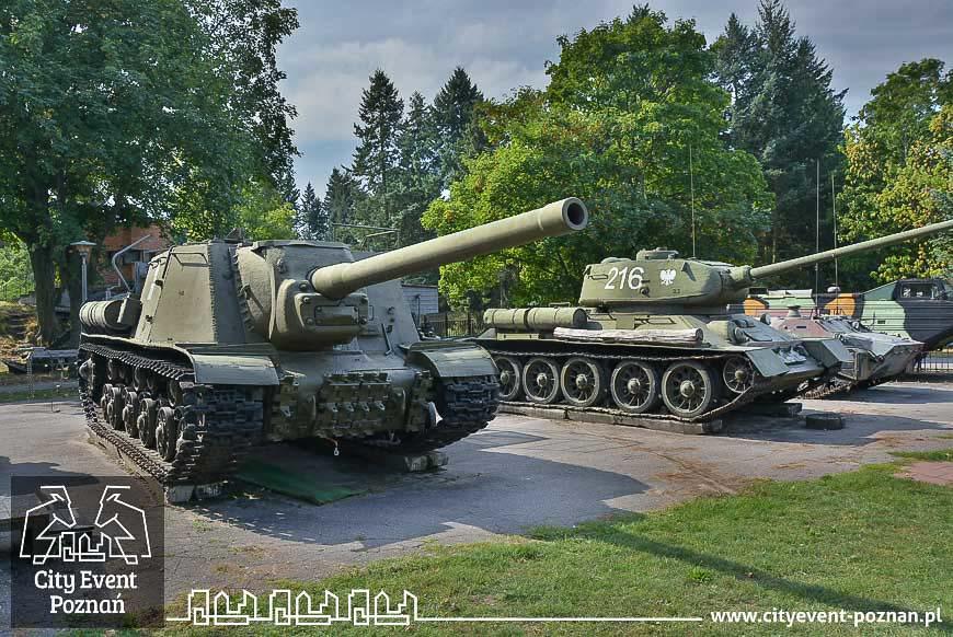 Muzeum Uzbrojenia Poznań ISU 122